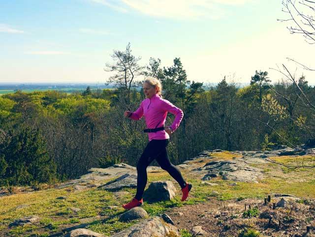 Traillöpning till toppen på Balsberget