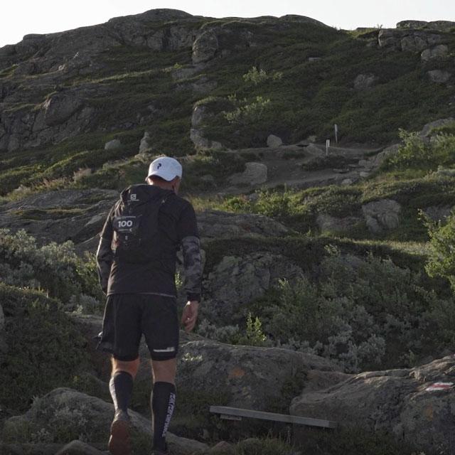 Bergsloppet Vertikal K i Åre. Per på väg mot toppen.
